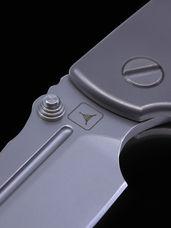 Dauntless Compact Hinderer Midtech Edition : Titanium
