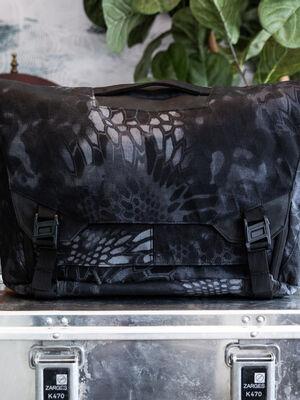 Parallax Messenger Bag 15L SE : Kryptek Typhon