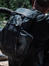 Spectre Hydration Carrier