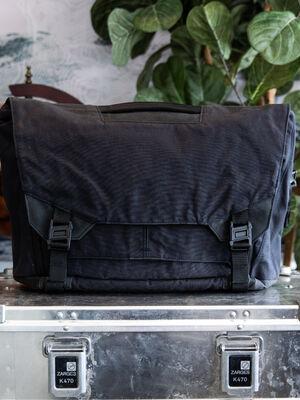 Parallax Messenger Bag 15L SE : Waxed Canvas
