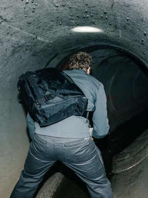 Parallax Messenger Bag 15L